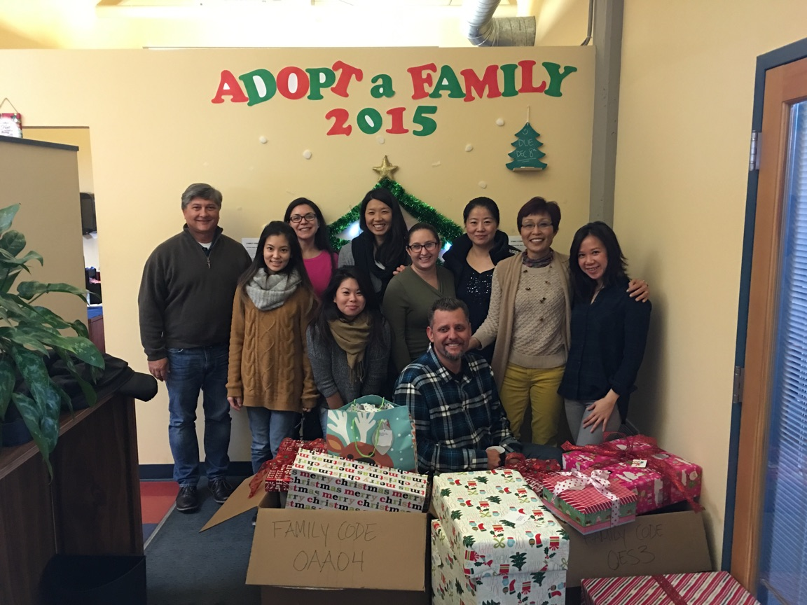 paramount employees giving back to the community paramount 2015 adopt a family pec